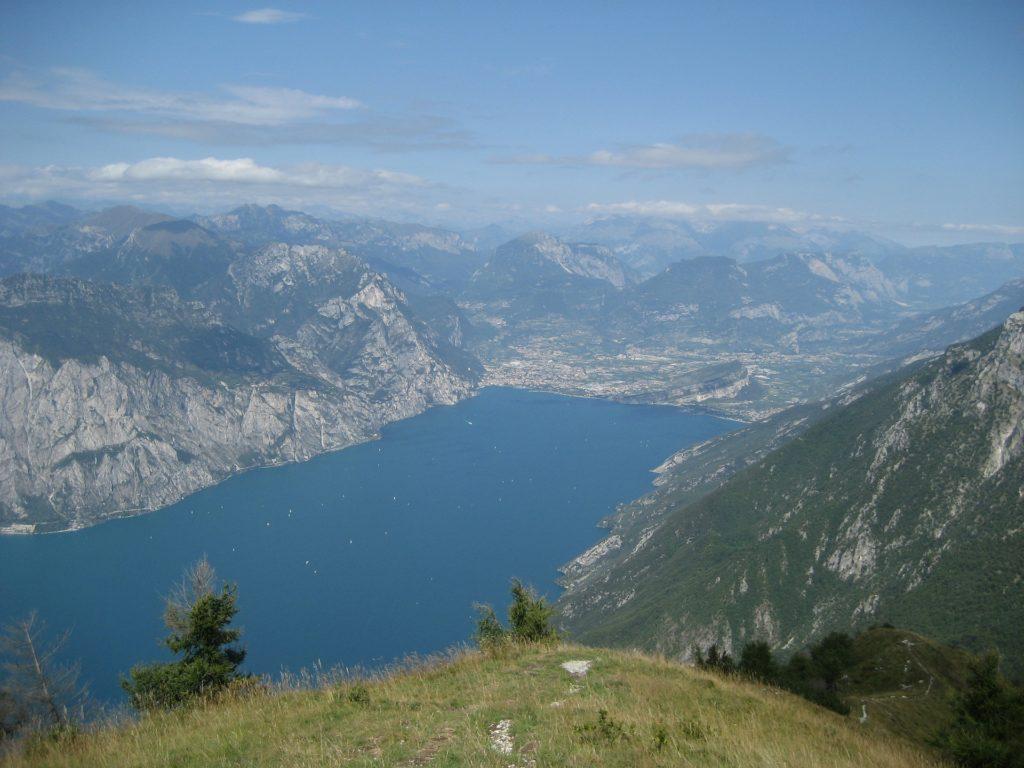 Gardameer vanuit bergen