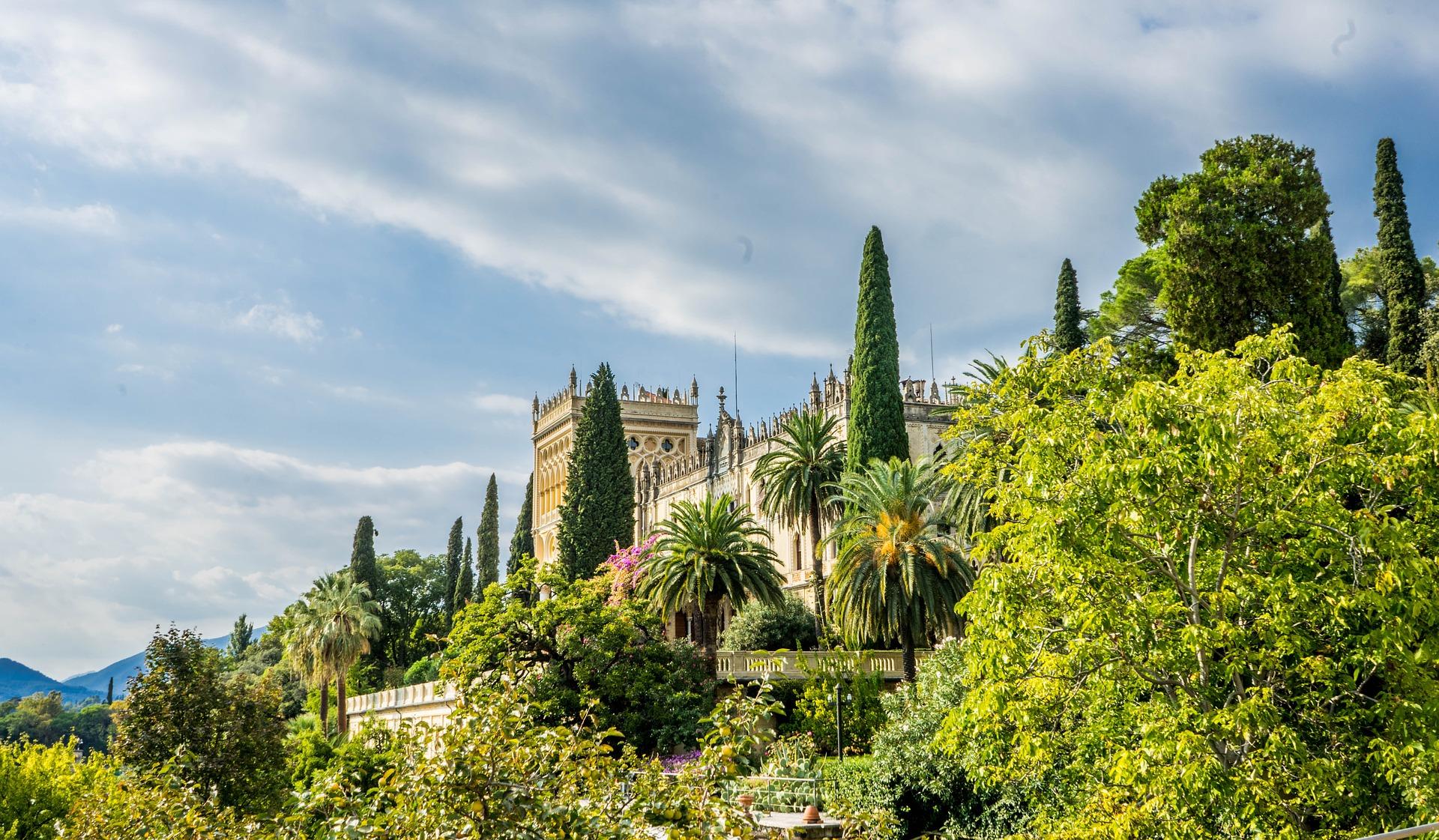 Maak een uitstapje naar Isola del Garda