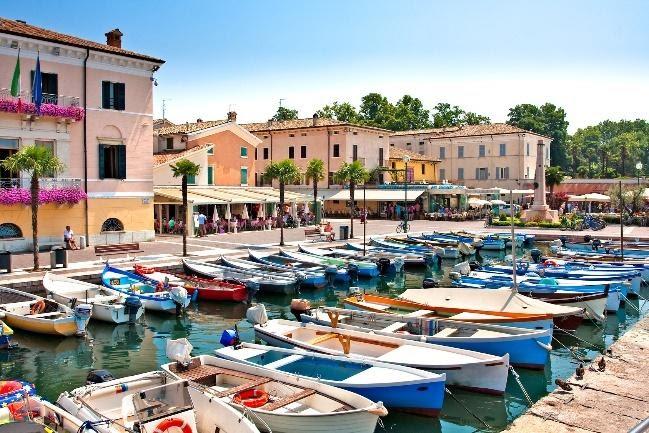 Haven - italiaanse markt van Bardolino